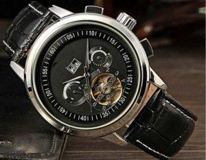 La montre classique, l'accessoire qui traverse les âges