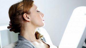 Luminothérapie : la lumière bleue contre le syndrome post-commotionnel